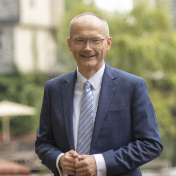 Dr. Helmut Martin